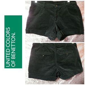 💖 NWT Benetton Black Corduroy Shorts 💖